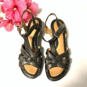 Born Women's Wedge Black Sandals